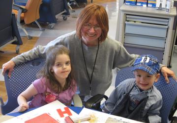 volunteerJan and Kids_web
